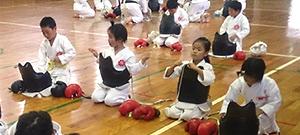 日本拳法白虎会少年部稽古風景