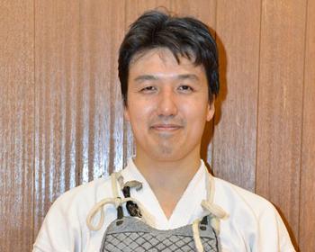日本拳法6段、会長水木 智司